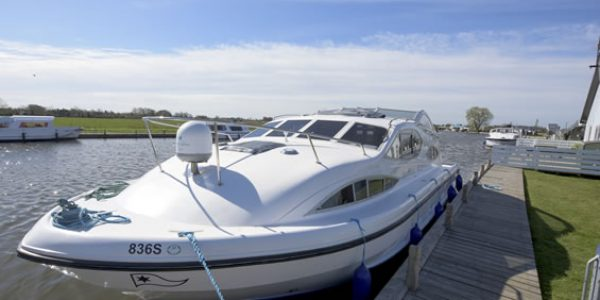Mooring at Potter Heigham
